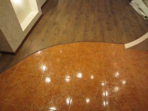 Сочетание между собой ламината и керамической плитки